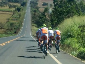 Ciclismo SJC - equipe treinando em Goiás cópia
