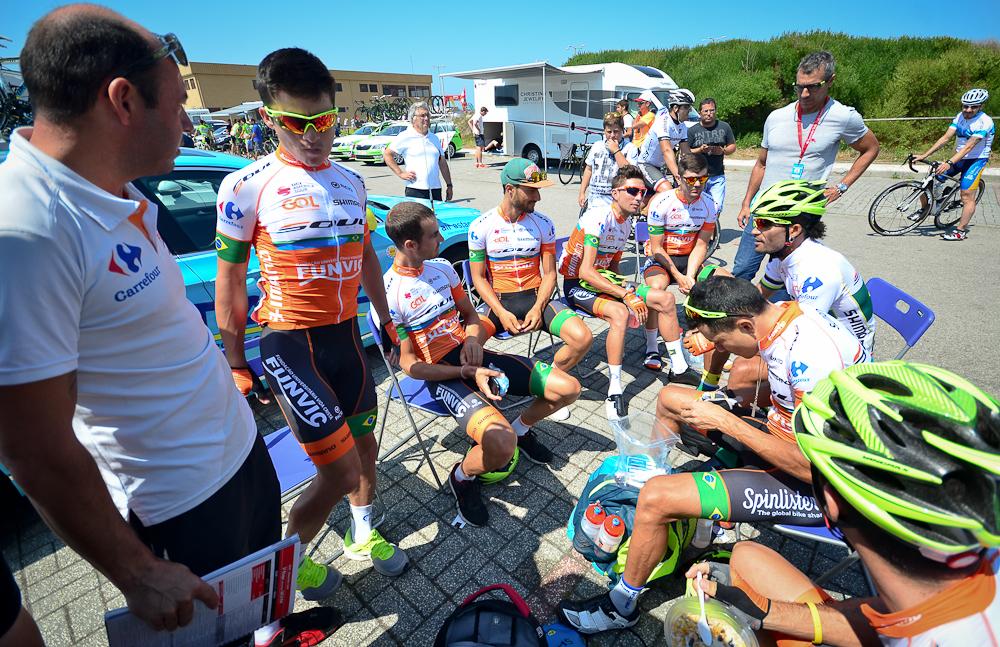 Ciclismo - reunião antes da largada