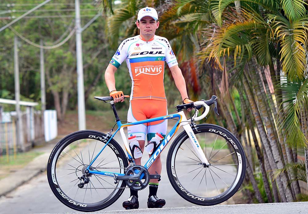 Ciclismo - Gabriel com as cores da equipe joseense cópia