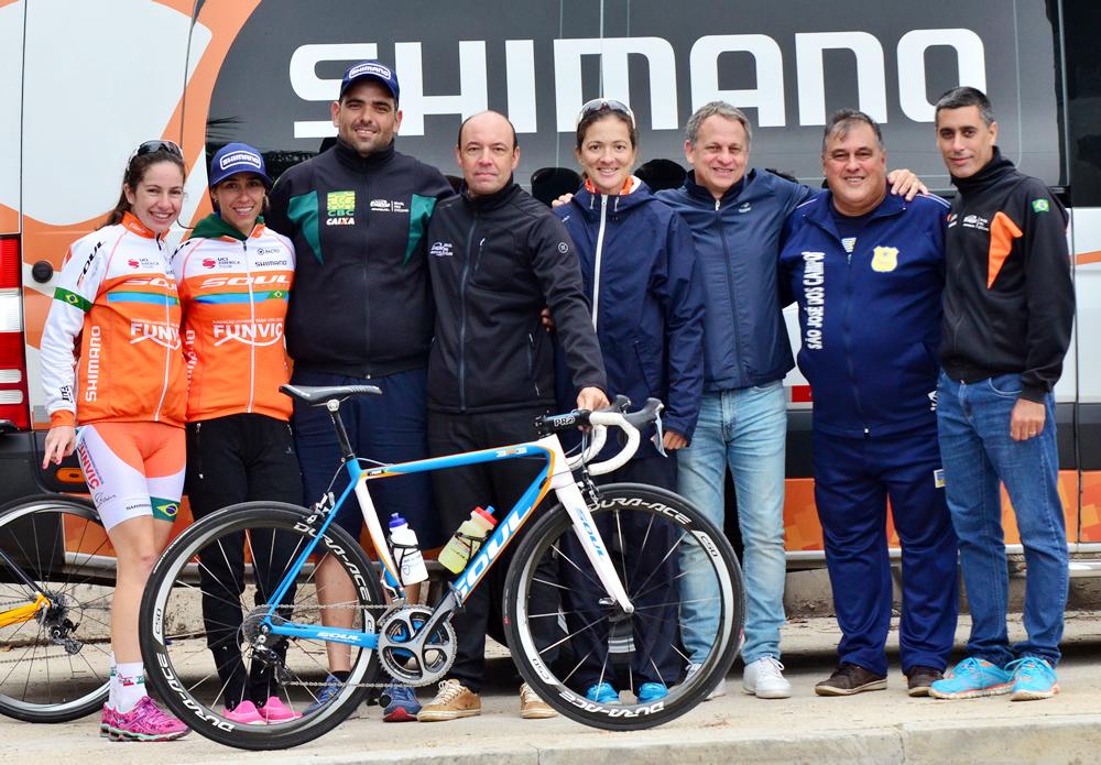 ciclismo-sjc-equipe-o-secretario-de-esportes-fernando-vales-e-o-silverio-e-antonio-carlos-silverio-coordenador-geral-do-fadenp